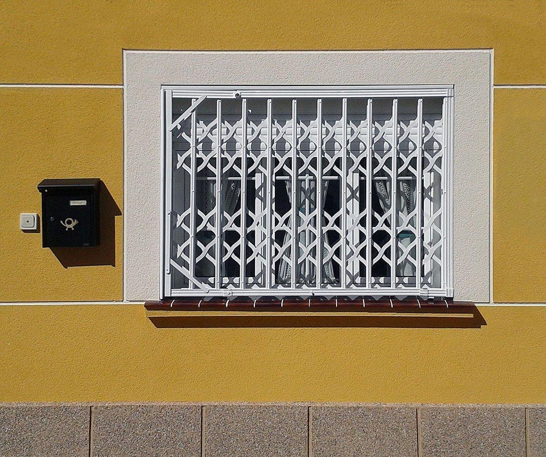 Puerta ballesta persysol soluciones profesionales - Cierres de seguridad ...