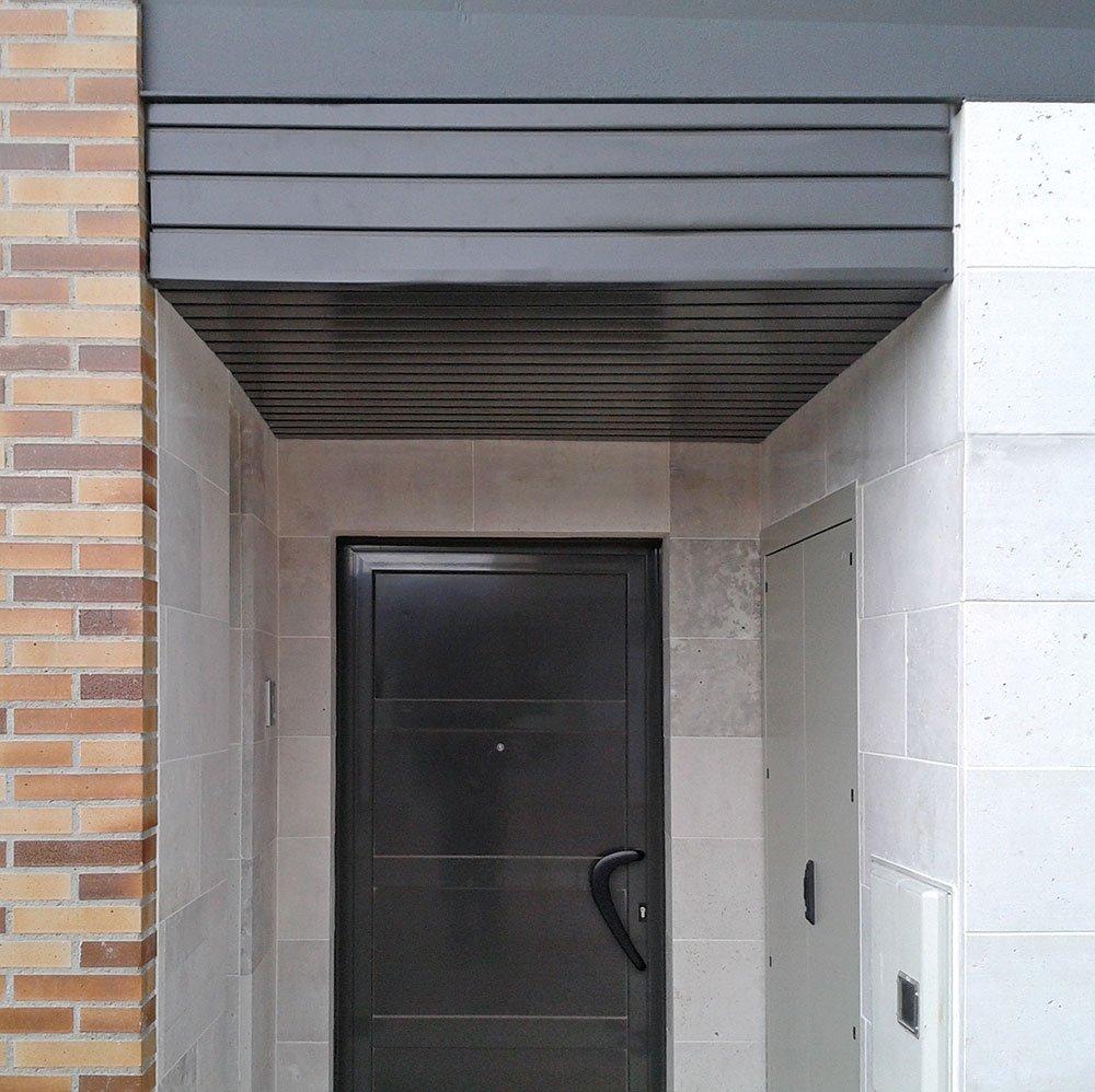 Puertas ventanas persysol soluciones profesionales - Falso techo aluminio ...