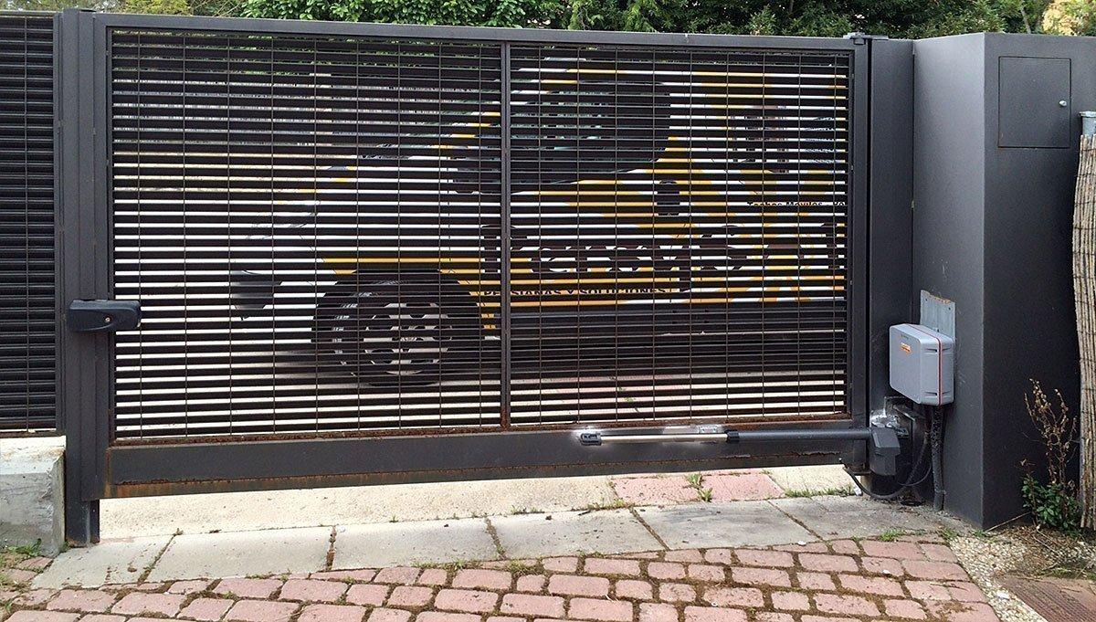 Puerta garaje abatible persysol soluciones profesionales - Proyecto puerta de garaje ...