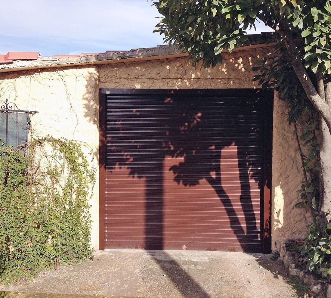 Puerta garaje enrollable persysol soluciones profesionales - Puertas de garaje ...