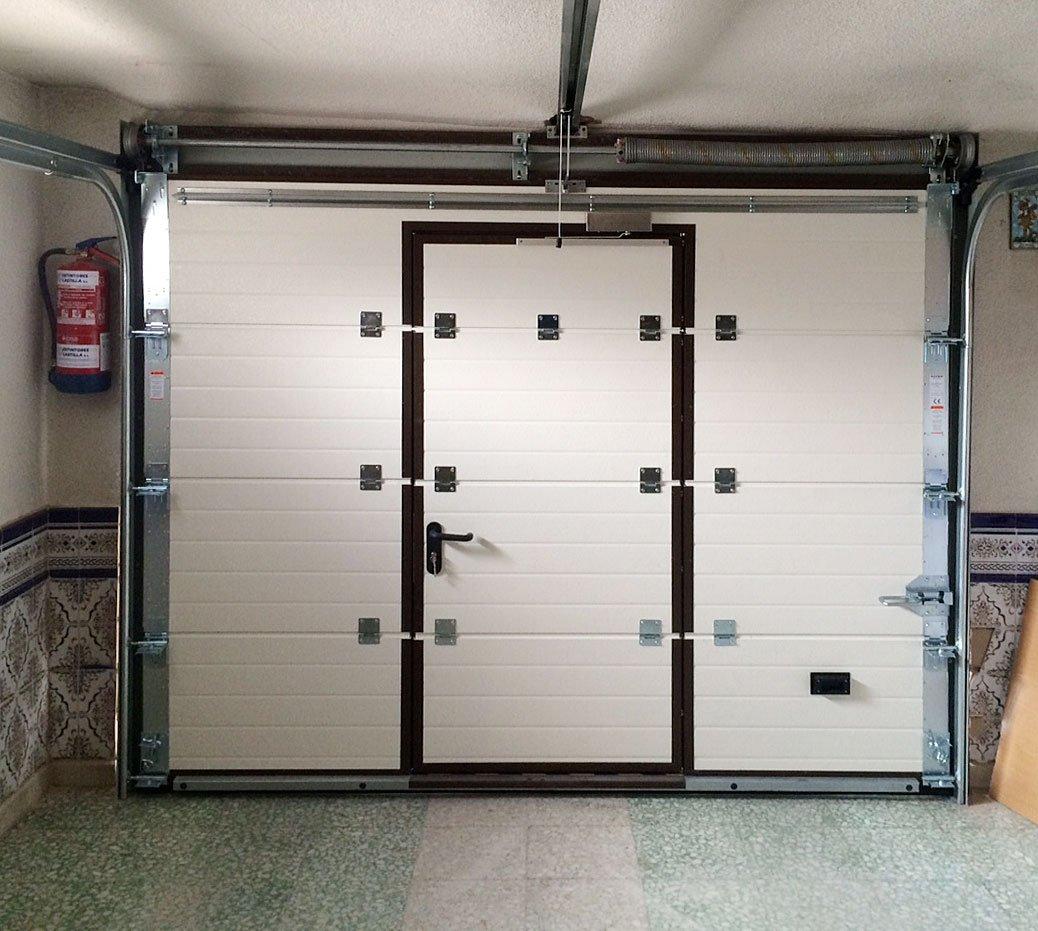 Seccional vista interior persysol soluciones profesionales for Puertas de garaje precios